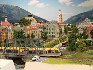 Stadt Meran in Miniatur - vom Eisenbahnwelt geschickt