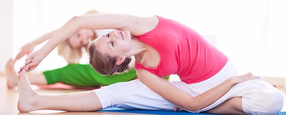 yoga-in-suedtirol-2110-1200x485-c-x50-y50