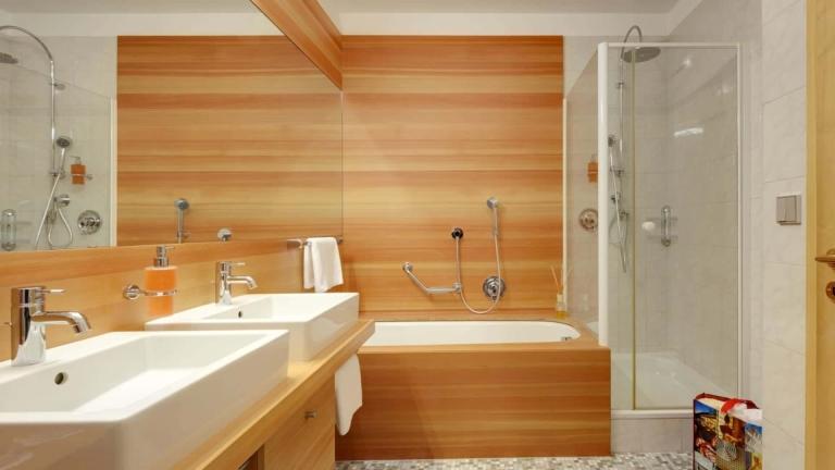 Badezimmer in der Linden Loggia