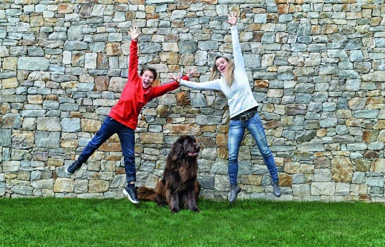 Kinderclub Team mit Hund