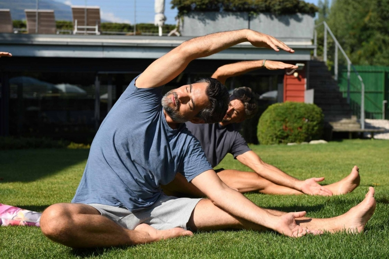 Yoga im Garten im Lindenhof