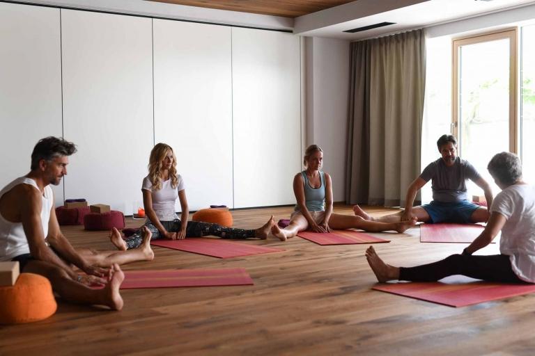 Yoga-Stunden im Lindenhof