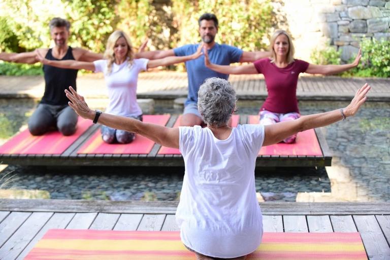 Yoga im Freien - Lindenhof