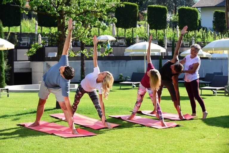 Yoga im Garten - Urlaubserlebnisse