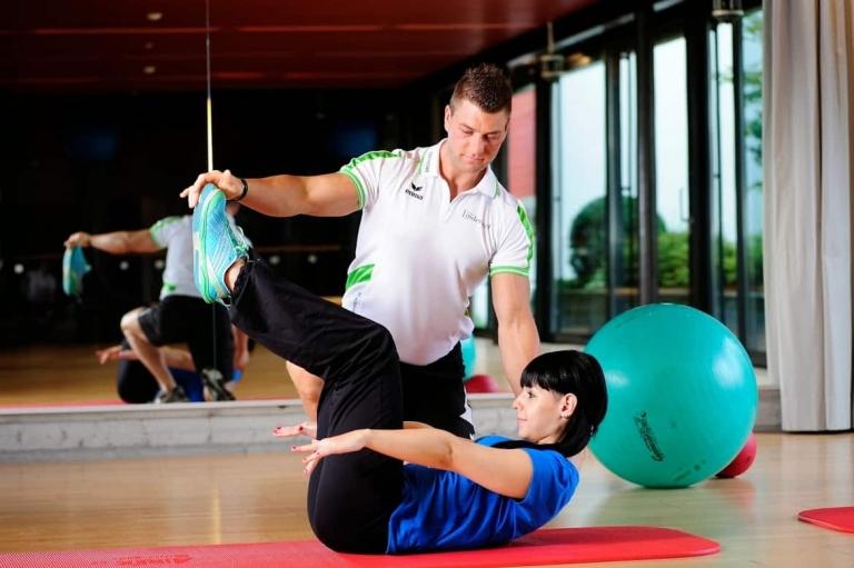 persönlicher Fitnesstrainer für den Urlaub