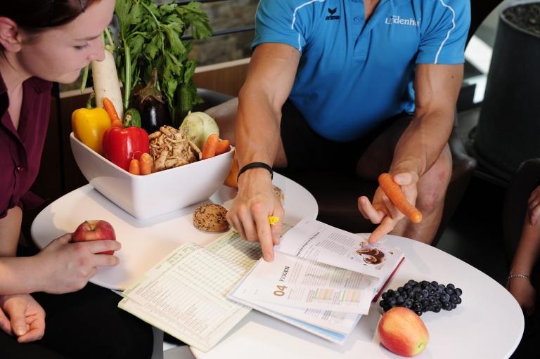 Ernährungsplan - fit und gesund im Urlaub