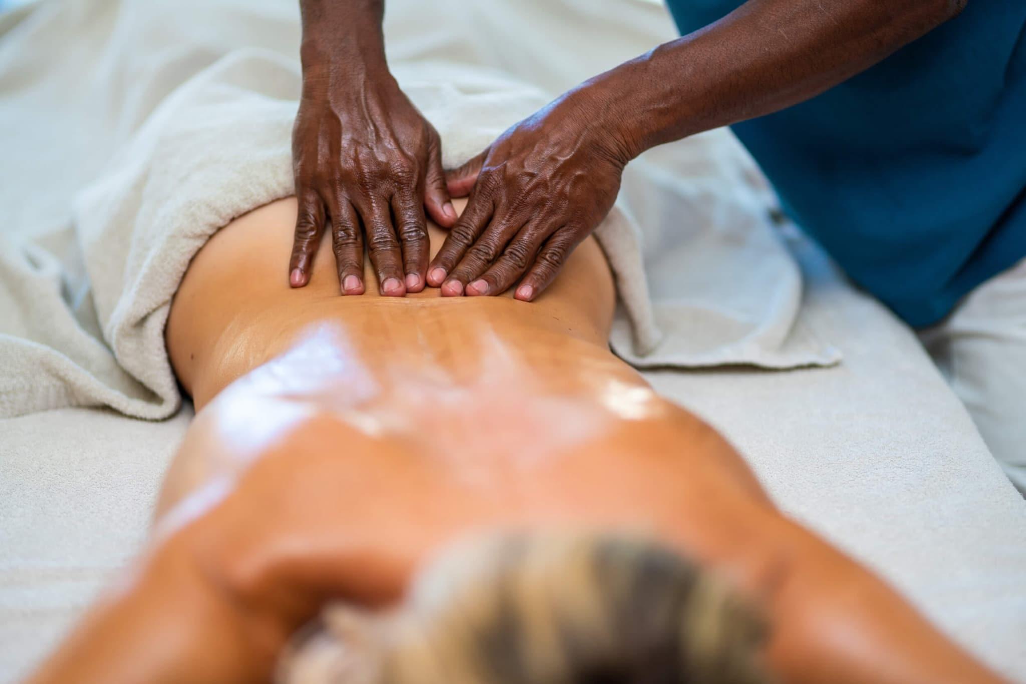 Massage-Ayurveda-Vinoth- im Lindenhof
