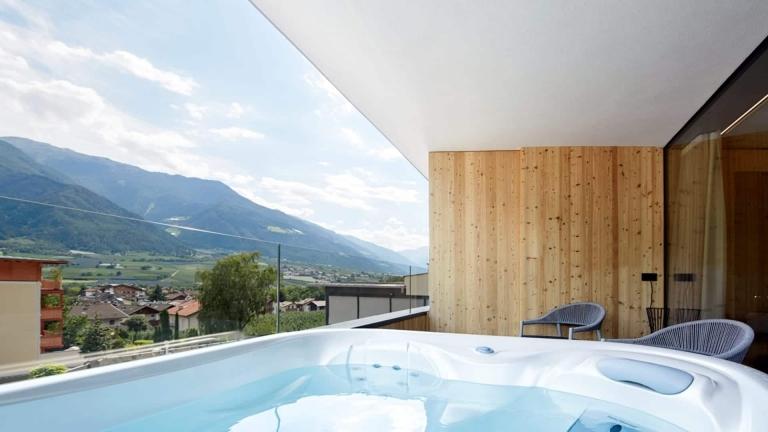 Whirlpool auf der Terrasse - Relax Suite