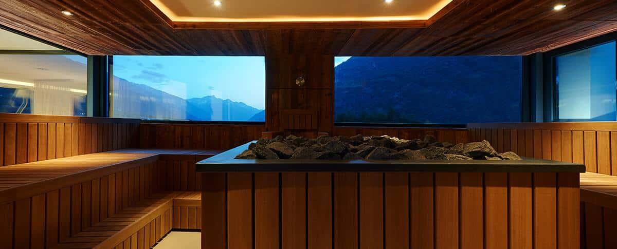 Sky Sauna über den Dächern von Naturns