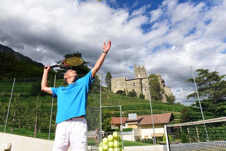 Tennis spielen im Urlaub in Südtirol