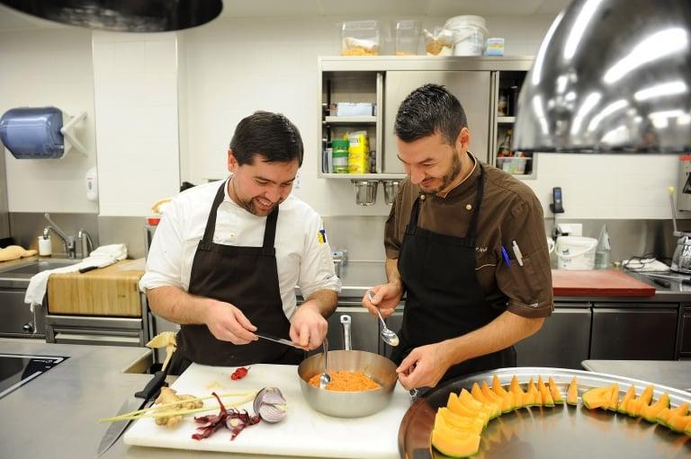 Benni und Andi in der Küche